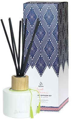 Urban Rituelle - Dreamweaver - Island Blossom - Fragrant Diffuser Set. A completely hypnotic fragrance that captures the heady scent of frangipani, a sweet splash of juicy berries & just a kiss of wild jasmine. Fall under the spell of this heavenly scented Fragrant Reed Diffuser Set designed to whisk you away to paradise. Featuring the evocative scents of our favourite tropical getaways, this premium Australian made diffuser will have you holidaying in your very own home for many months to…