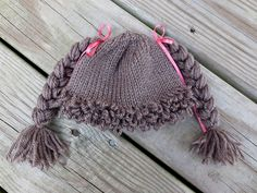 Cabbage Patch Hat - link to a tutorial on Loop Stitch
