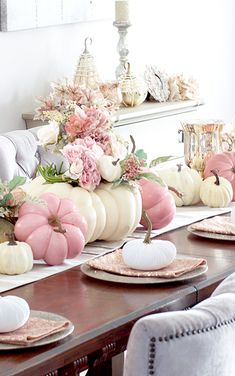 ---⠀ Welcome September 🍂💕🍁⠀ And happy Sunday friends , hope everyone is enjoying their long weekend with their loved ones . 😘⠀ A little bit of fall inspiration 🌸💕🍂🍁⠀ 📷 so gorgeous ⠀ To my friends in the path of the hurricane stay safe 🙏🏻 . Otoño Baby Shower, Girl Shower, Pink Pumpkins, Fall Pumpkins, Thanksgiving Table, Thanksgiving Decorations, Fall Inspiration, Pink Halloween, Shabby Chic Halloween