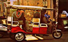Discover Oriental Agra in Battery powered Rickshaws   Padhaaro