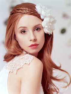 Set of two Bridal Hair Flower Wedding Hair by TheWeddie on Etsy, €70.00