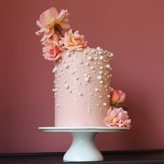 Victoria sponge cake with peach buttercream, edible pearls and fresh roses for decoration Pretty Cakes, Beautiful Cakes, Cupcakes, Cupcake Cakes, Victoria Sponge Kuchen, Cake Pops, Flower Cake Decorations, Pearl Cake, Tall Cakes