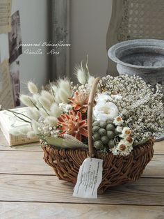 Evergreen Flowers, Fall Flowers, Dried And Pressed Flowers, Dried Flowers, Dried Flower Arrangements, How To Preserve Flowers, Botanical Flowers, Flower Boxes, Packaging