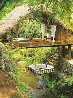 Resort Spa Treehouse, Bali. A tropical 5-star villa nestled in trees over a river gorge. This paradise resort is constructed all from natural materials. Included is an infinity swimming pool, culinary meals and the added comfort of a spa offering massages and healing treatments. Treehouses, Jungle House, Jungle Tree, Jungle Room, Awesome Tree Houses, Beautiful Tree Houses, Amazing Tree House, Awesome House, Kid Tree Houses
