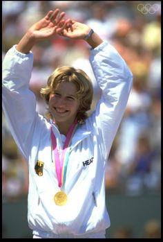 Relive the moments that went down in history from the Seoul 1988 Summer Olympics. Access official videos, results, sport and athlete records. Steffi Graff, 1984 Summer Olympics, Elizabeth Berkley, Tennis Photos, Tennis World, Sport Tennis, Olympic Athletes, Sport Photography, Tennis Players