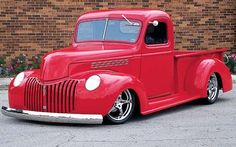 Read all about a custom slammed 1945 Chevy Truck, brought to you exclusively by the experts at Truckin Magazine. Hot Rod Trucks, Gm Trucks, Cool Trucks, Custom Car Paint Jobs, 1946 Chevy Truck, Country Trucks, Classic Pickup Trucks, Chevy Pickups, Custom Trucks