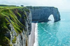 Incredible+Destinations+in+France+for+Your+Bucket+List+(Besides+Paris)