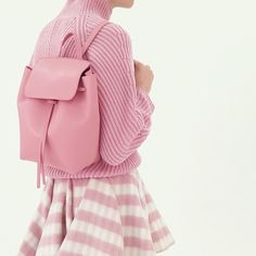 The prettiest in pink! Brand new shapes from Mansur Gavriel just arrived on Moda Operandi! Fashion Mode, 90s Fashion, Green Fashion, Givenchy, Balenciaga, Everything Pink, Mean Girls, Powerpuff Girls, Look Cool