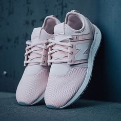 Buty New Balance New Balance Outfit, New Balance Pink, New Balance Women, New Balance Shoes, Cute Sneakers, Cute Shoes, Me Too Shoes, Pink Shoes, Shoes Heels