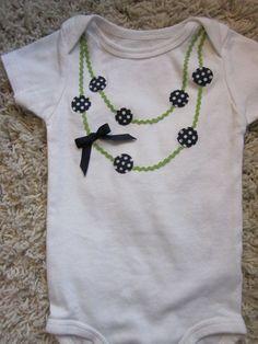 camiseta con collar