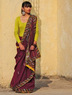 Buy Maroon-Yellow-Green Cotton Handwoven Saree by Heeya Online Simple Sarees, Trendy Sarees, Stylish Sarees, Fancy Sarees, Sari Design, Sari Blouse Designs, Dress Neck Designs, Diy Design, Saree Wearing Styles