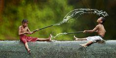 Everyday Life In Indonesian Villages Captured by Herman Damar - http://www.viralbuzzspot.com/everyday-life-in-indonesian-villages-captured-by-herman-damar/