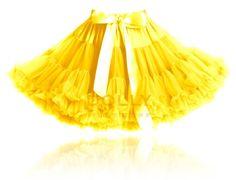 nádherná PRINCEZNÁ KRÁSAVICA Princess Belle, Boy Fashion, Tulle, Skirts, Dresses, Yellow, Princesses, Fashion For Boys, Vestidos