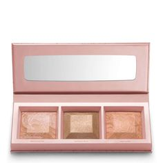 bareMinerals® Crystalline Glow Bronzer & Highlighter Palette is your go to this summer! Crushed rose quartz crystals create glowing, lit-from-within colour for all skin tones....