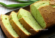 Adapted from TiffinBiru   I saw this cake long ago, but not from TiffinBiru. I forgot where I saw it before, but I remember the name being ...