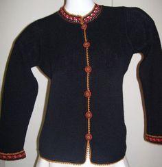 Schlichte Eleganz aus kostbarer Wolle. Diese elegante #Damenjacke wurde aus #Alpakawolle angefertigt.