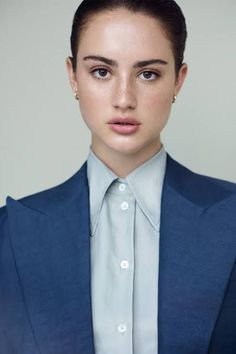 Grace Van Patten as Kriss Ambers from the NYT bestselling series, 'The Selection' by Kiera Cass. Manic Pixie Dream Girl, Girl G, For Elise, Face Claims, American Actress, The Selection, Beautiful People, At Least, Wattpad
