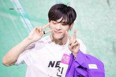 stray kids pics (@straykidspix)   Twitter Scorpio, Lee Min Ho, Kids Web, Daejeon, Boy Groups, Baby Kids, Fandoms, Teddy Bear, Cheese