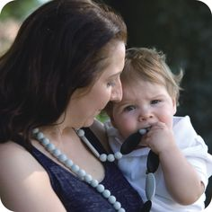Providing the most secure, comfortable and snug place for your baby. Kangaroo Care, Pearl Necklace, Pendant Necklace, Skin To Skin, Black And Grey, Pearls, Bracelets, Baby, Jewelry