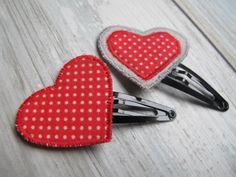 PINCE cheveux fille coeur tissu rouge à pois blancs ,pince cheveux fille coeur tissu ,accessoire cheveux : Accessoires coiffure par felicity-fraise