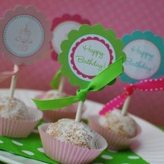 Such pretty designs for a girly birthday party. Use Avery 22807 round printable labels instead full-sheet labels as an easier way to do this.
