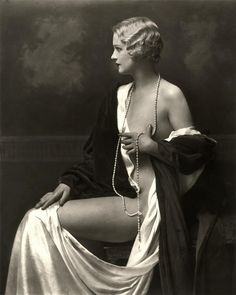 Ziegfeld girls | Vintage portrait
