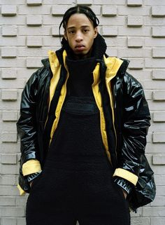 Martine Rose Brings Blown-Out Proportions and Streamlined Details to Iconic Napapijri Outerwear Hip Hop, Fashion News, Mens Fashion, Collection Capsule, Outdoor Men, Outdoor Fashion, Oversized Jacket, Mens Fall, Rain Wear