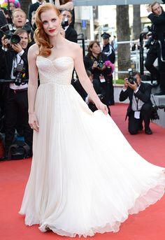 Jessica Chastain in retro waves and Giorgio Armani at #Cannes