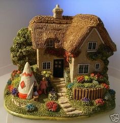 LILLIPUT LANE AWAY FROM HOME COTTAGE