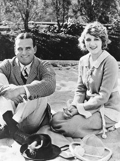 Silent film stars husband and wife, Douglas Fairbanks, Sr. and Mary Pickford Golden Age Of Hollywood, Hollywood Stars, Classic Hollywood, Old Hollywood, Hollywood Couples, Hollywood Hills, Hollywood Glamour, Belle Epoque, Silent Screen Stars
