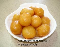Fatayer - Fauzia's Kitchen Fun Beignets, Green Chilli Pickle, Sweet Dumplings, Light Desserts, Thinking Day, Relleno, Cravings, Sweet Tooth, Cooking Recipes