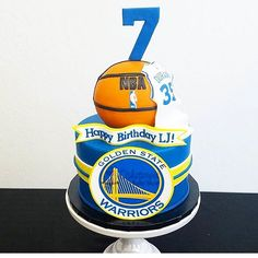 Golden State Warriors fondant cake