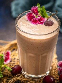 Strawberry Kiwi Smoothie, Beet Smoothie, Smoothie Recipes, Indian Lentil Dish, Lentil Dishes, Jeera Rice, Tamarind Chutney, Frozen Cherries, Crispy Onions