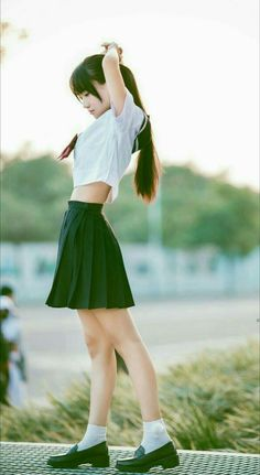 Pin on ポーズ集 Female Pose Reference, Pose Reference Photo, Drawing Reference Poses, School Girl Japan, Japan Girl, Girls School, School Uniform Girls, Cute Asian Girls, Cute Girls