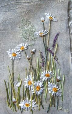 All about embroidery! Embroidery applique, cute embroidery, embroidered shirts, embroidering machine, embroidery clothes and more. hand embroidery designs and patterns SILK RIBBON EMBROIDERY ox eye daisies and grasses (hand dyed silk and a variety of thre Hand Embroidery Stitches, Silk Ribbon Embroidery, Vintage Embroidery, Embroidery Applique, Cross Stitch Embroidery, Embroidery Ideas, Hand Embroidery Flowers, Embroidery Supplies, Paisley Embroidery