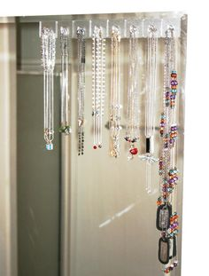 diy home sweet home: Organize jewelry with Gecko Tech hooks