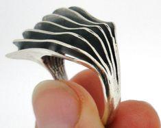 Estilo moderno de plata anillo de regalo de Navidad para mujer, diseño exclusivo por Amir Poran, fabricado a mano