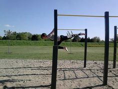 #streetworkout #streetworkoutpark #backlever #oneleg