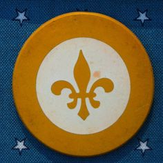 """Old """"poker chip"""" I was told, but I think otherwise. Free Facebook, Poker Chips, Antiques, Projects, Antiquities, Log Projects, Antique, Blue Prints, Old Stuff"""
