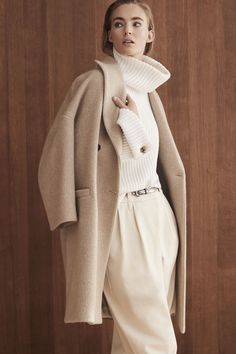 Brunello Cucinelli Fall 2019 Ready-to-Wear Collection - Vogue Milan Fashion Weeks, White Outfits, Casual Outfits, Fashion Outfits, Vogue Fashion, Runway Fashion, Womens Fashion, Fall Winter Outfits, Winter Fashion