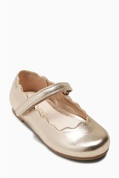 991e283757f Girls Next Gold Scallop Mary Jane Shoes (Younger) - Gold