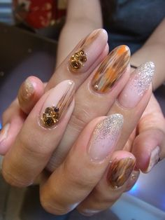 Japanese nail design love the artistic feel of these neutral nails