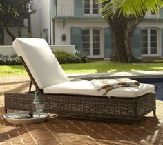 Torrey All-Weather Wicker Single Chaise | Pottery Barn