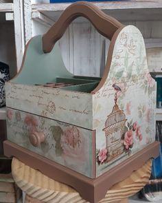 Decoupage Vintage, Pintura Country, Napkin Folding, Luxury Home Decor, Desk Organization, Storage Boxes, Bassinet, Wood Projects, Diy And Crafts