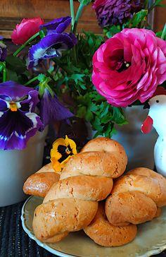 Τα πασχαλινά κουλουράκια της μαμάς μου - Miss Tasty Bread, Recipes, Food, Brot, Recipies, Essen, Baking, Meals, Breads