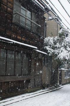(snow day in Tokyo by Tokutomi Masaki)