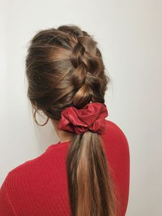 Here for the #scrunchie trend. #90s #hairideas #hairaccessories