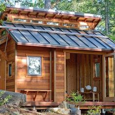 Today, we will go over the top 10 benefits of living in a tiny house, and hey, you might even want to start considering one.