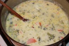 Ľubkina najúžasnejšia brokolicová polievka so syrom - obrázok 4 Cheeseburger Chowder, Grilling, Food And Drink, Cooking, Recipes, Advent, Anna, Kitchen, Crickets