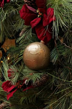 Dollar Store Crafts » Blog Archive » Tutorial: Designer-Inspired Faux Bronze Christmas Ornament